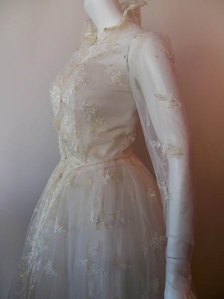 grace kelly wedding gown. vintage wedding gown Grace