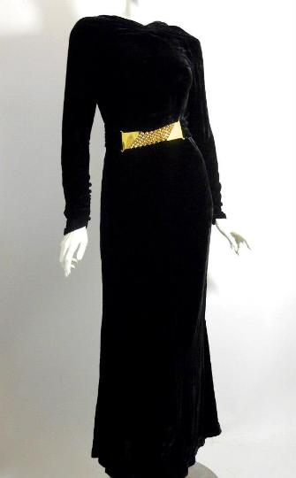 A long sleeve dress 30s