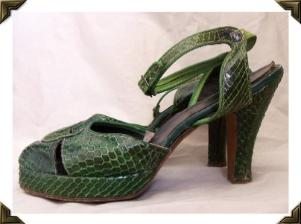 Vintage 40's Shoes COBRA Skin 40's PLATFORMS Peep Toe