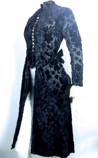 Dorothea's Closet Vintage clothing victorian clothing